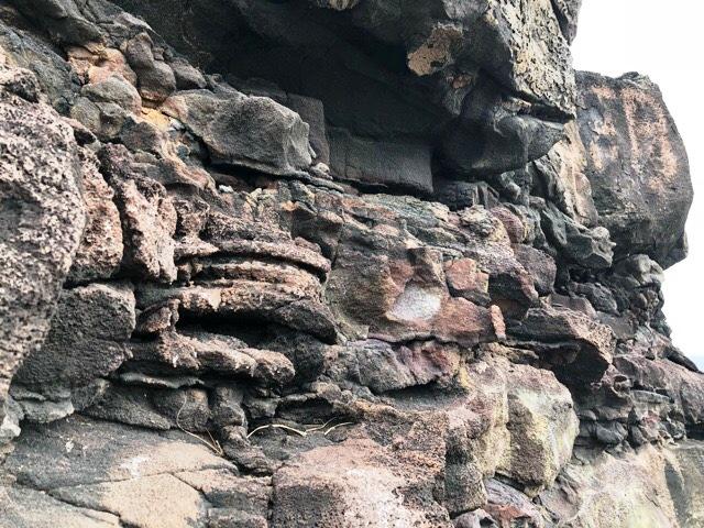 ペレの椅子の岩肌