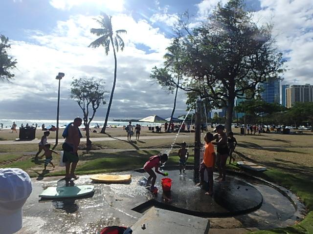 アラモアナビーチのシャワー